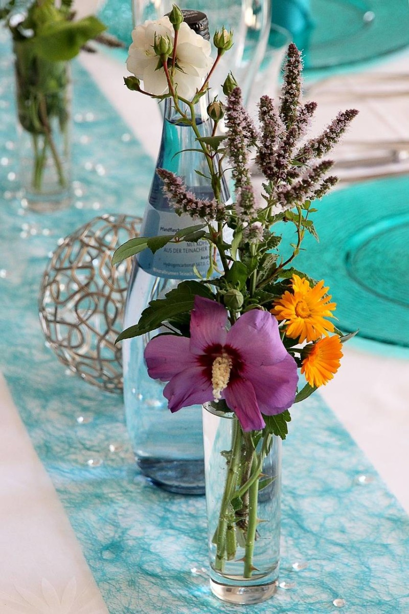 table-decorations-1141342_1280