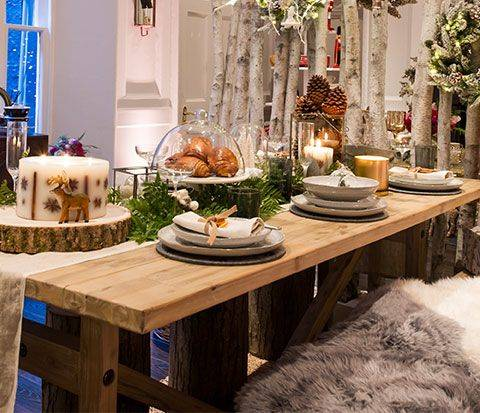 A Christmas table setting guide