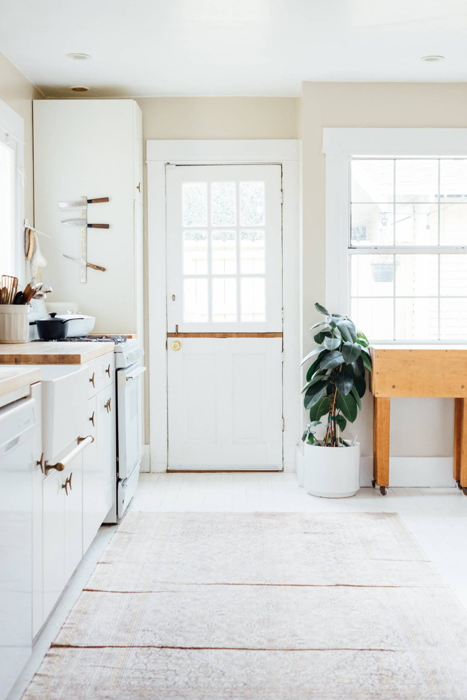 kitchen upgrades on a budget, tips form sophie robinson