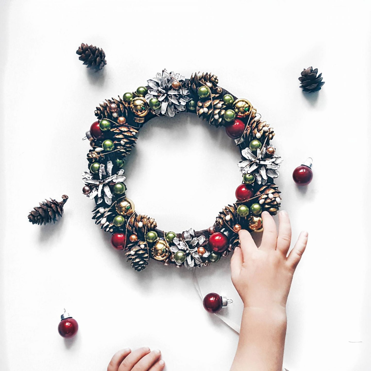 Top tips for making a festive wreath, tips for making a festive wreath